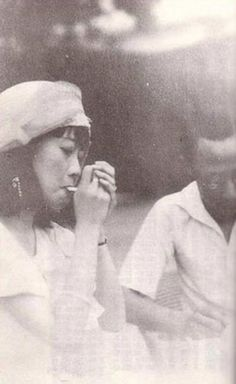 Ancient History China - Empress Wanrong smoking near last emperor of China, Puyi Last Emperor Of China, Westerns, The Empress, Asian History, We Are The World, Qing Dynasty, Second World, Vintage Photographs, Back In The Day