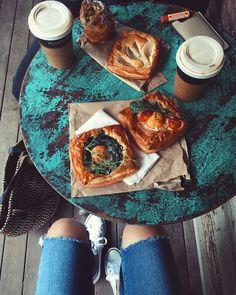 What a wonderfu l#breakfast at  #ByronBay - @tuulavintage