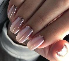 Pink nail polish with glitter nail art - Nageldesign - Nail Art - Nagellack - Nail Polish - Nailart - Nails - Makeup Light Colored Nails, Light Nails, Gorgeous Nails, Pretty Nails, Pretty Toes, Nail Art Paillette, Hair And Nails, My Nails, Glam Nails