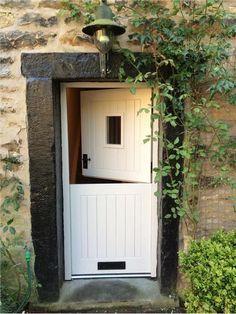 Stunning Low-budget dutch door ireland just on home design ideas site Cottage Front Doors, Cottage Windows, Cottage Door, Cottage Living, Half Doors, Windows And Doors, House Front, My House, Farm Door