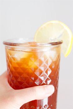 Homemade Lemon Iced Tea | Spoonful Of Butter Lemon Iced Tea Recipe, Ice Lemon Tea, Iced Tea Recipes, Bar Recipes, Vegan Recipes, Dinner Recipes, Homemade Iced Tea, Sweet Tea, Recipes