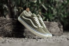 940a9c51a35 Vans Old Skool Sneakers (Olive Green)
