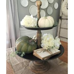 Rustic Wood And Metal Two Tiered Tray Styled For Fall With Pumpkins and Florals Rustic Vintage Decor, Vintage Farmhouse, Rustic Wood, Country Farmhouse, French Country Style, French Country Decorating, Country Life, Fall Home Decor, Autumn Home