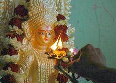 Book and perform Saraswati Puja at Vasant Panchmi 2016 from the Kamiya Sindoor and get the blessing of the Maa Saraswati.