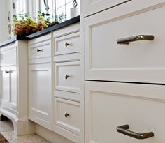 Love those kitchen drawers.