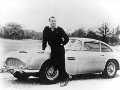 Daniel Craig - Drove the Aston Martin DBS in the Bond movie 'Quantum of Solace' . Pierce Brosnan – Owns an Aston Martin Vanquish. Aston Martin Dbs, Martin Car, Sean Connery, James Bond Auto, James Bond Movies, Smart Auto, Rare Historical Photos, Rare Photos, 007 Contra Goldfinger