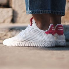 Adidas x Pharrell Williams - Tennis HU. Sneakers Mode, Adidas Sneakers, Williams Tennis, Sports Brands, Pharrell Williams, Dream Shoes, Adidas Stan Smith, Kanye West, Sport Outfits