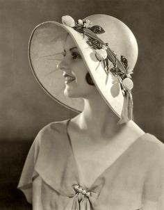 Alfred Cheney Johnston - Ziegfeld Girls And Ziegfeld Follies Retro Mode, Mode Vintage, Vintage Glamour, Vintage Beauty, 1930s Fashion, Vintage Fashion, Flapper Fashion, Classic Fashion, Mens Fashion