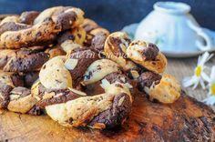 Ciambelle bicolori intrecciate, ricetta facile e veloce, facile, biscotti di frolla con doppio impasto, ricetta per colazione, merenda, biscotti sfiziosi, ricetta facile