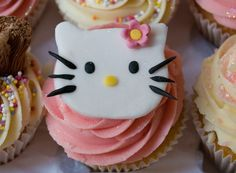 Hello Kitty Cupcakes for Emily's Birthday Hello Kitty Cupcakes, Cat Cupcakes, Personalised Cupcakes, Party Planning, Sweet Treats, Birthday Parties, Pretty, Easy, Desserts
