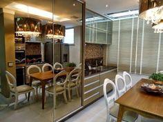 cozinha com mesa jantar