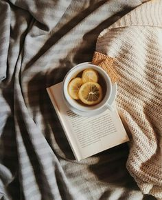 books book read reading lovebooks lovereading bookstagram booklover houseofbooks slovakia business k Beige Aesthetic, Book Aesthetic, Aesthetic Pictures, Instagram Feed, Fotos Do Instagram, Flat Lay Photography, Coffee Photography, Flatlay Instagram, Paleta Pantone