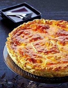 Tarta de pollo y jamon con masa de hojaldre Pinterest | https://pinterest.com/elcocinillas/