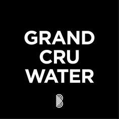www.brandeau.ch I  Das Schweizer Trinkwasser gilt als eines der besten der Welt. ••• #brandeau #brandeaubottles #wasser #water #wasserflasche #wassertrinken #wassergenuss #hahnenwasser #stilleswasser #flasche #karaffe #wasserkaraffe #glasflasche #schweizerwasser #tapbottle #tapwater #designquote #designquotes #quotes #waterquote #waterquotes #typographyinspired #typographyart #typographydesign #grandcru #grandcruclassé #bestwater #quellwasser #swisswater