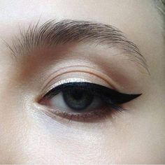 Gorgeous black eyeliner look - - Gorgeous black eyeliner look Beauty Makeup Hacks Ideas Wedding Makeup Looks for Women Makeup Tips Prom M. Makeup Goals, Makeup Inspo, Makeup Art, Makeup Inspiration, Makeup Tips, Makeup Ideas, Makeup Products, Makeup Hacks, Beauty Products