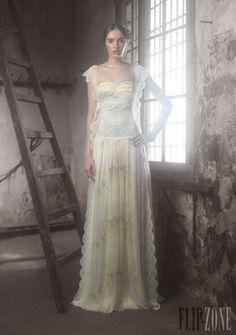 Ir de Bundó - Novias - Colección 2014 - http://es.flip-zone.com/fashion/bridal/ready-to-wear/ir-de-bundo