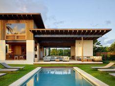 Walker Warner Architects creates open-air beach house in Hawaii Beach House Kauai, Contemporary Beach House, Hawaiian Homes, Costa Rica, Custom Built Homes, Interior Architecture, Sustainable Architecture, Residential Architecture, Contemporary Architecture