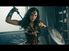 Wonder Woman - Tráiler Comic-Con Castellano HD - YouTube como Diablos la mujer maravilla se va a llamar así en su traducción en castellano?!