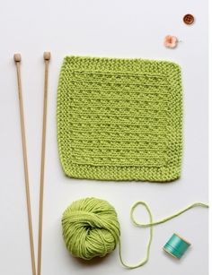 Add a touch of handmade to your beauty regime with our free knitting patterns. Use up the last of your favourite yarn to make a stack of simple knitted washcloths Knitting Stitches, Knitting Patterns Free, Free Knitting, Baby Knitting, Crochet Patterns, Knitted Washcloths, Knit Dishcloth, Knitting Projects, Crochet Projects