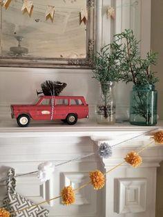 A Vintage Junky Christmas 2012 - Love the vintage car with mini Christmas Tree