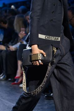 Follow along as we spotlight the biggest trends in bags on the fall 2017 runways....