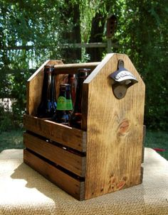 Personalized Six Pack Holder...great gift idea for that home brewer in your family.  Maybe for Father's Day this year!