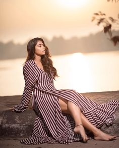 Pooja Hegde is an Indian model and film actress who appears mainly in Telugu and Hindi films. A former beauty pageant contestant, she was crowned as the second runner-up at the Miss Universe India 201 Bollywood Actress Hot Photos, Indian Bollywood Actress, Bollywood Girls, Tamil Actress Photos, South Indian Actress, Bollywood Fashion, Indian Actresses, Bollywood Style, Hot Actresses