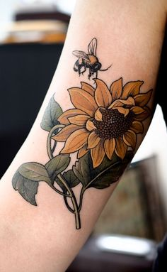 21 Cute Bumble Bee Tattoo Ideas for Girls Vibrant Sunflower and Bee Tattoo Design - Popular Tattoo Designs Form Tattoo, Mädchen Tattoo, Shape Tattoo, Piercing Tattoo, Tattoo Quotes, Tattoo Fonts, Neue Tattoos, Body Art Tattoos, Sleeve Tattoos