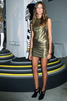 Daria Werbowy Style - Fashion Pictures of Daria Werbowy - ELLE