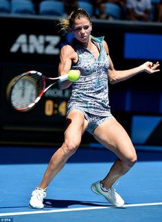 Tennis stars Venus Williams and Camila Giorgi battle it out on the court at the Australian Open in Melbourne. Camila Giorgi, Girls With Abs, Gym Girls, Giorgi Tennis, Serena Williams Bikini, Fit Girls Images, Sport Tennis, Wta Tennis, Tennis Players Female