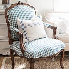 miss mustard seed instagram photo - The checked chair... https://instagram.com/p/0TR3HQFhR1/ via bHome https://bhome.us