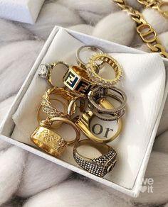 Jewelry Trends, Jewelry Accessories, Fashion Accessories, Fashion Jewelry, Fashion Ring, Fashion Clothes, Fashion Bags, Fashion Women, Cute Jewelry