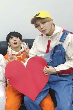 Bts Jungkook and jimin XD Bts Jimin, Jimin Jungkook, Bts Bangtan Boy, Wattpad, Jung Hoseok, Mochi, K Pop, Taehyung, Bts Maknae Line