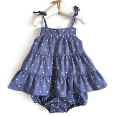 vestido-bebe-patron-DIY - DIY-Free pattern (click DESCARGAR for it) and very detailed step by step Photo tutorial - Bildanleitung und gratis Schnittvorlage Toddler Sewing Patterns, Sewing Kids Clothes, Baby Sewing, Little Girl Dresses, Girls Dresses, Summer Dresses, Dior Kids, Dress Patterns, Baby Dress
