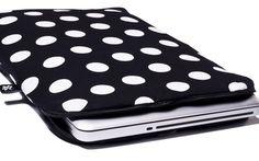 Google Afbeeldingen resultaat voor http://www.coverbee.com/images/products/en/zipper/laptop-sleeve-black-polka-dot.jpg