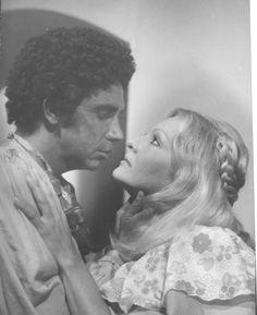 Doris Wells y Miguel Angel Landa en Pobre Negro de Romulo Gallegos,trasmitida por RCTV en los años 70s