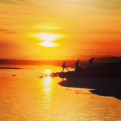 Magic Port Fairy sunset!  #portfairy @portfairypics @emilybissland_abcopen by blarneybooks