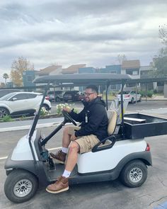 As a valued member of the ReNew Mills Team, Facilities Tech, Hugo Galvan, always goes above and beyond for his residents and fellow team members! You can see his smiling face or catch a wave from his golf cart daily. The team is so grateful for all Hugo does for the community! ⭐️ #TrinityTalent Riverside Drive, Galvan, Join Our Team, Bedroom Layouts, Cool Apartments, Above And Beyond, Smile Face, Ontario, Grateful