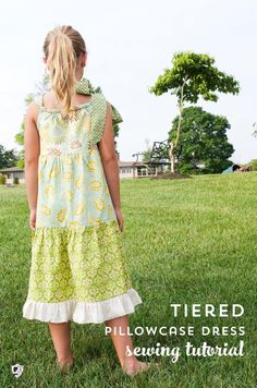 Learn how to sew a simple pillowcase dress with this free tiered pillowcase dress sewing pattern. #sewingforgirls #dresspatterns #freepatterns #freesewingpatterns Toddler Dress Patterns, Summer Dress Patterns, Girl Dress Patterns, Blouse Patterns, Skirt Patterns, Baby Patterns, Child Apron Pattern, Pillowcase Dress Pattern, Pillowcase Dresses