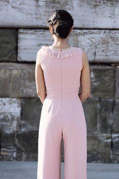 comprar online mono rosa con detalle de flecos para boda fiesta evento coctel bautizo comunion graduacion de apparentia collection