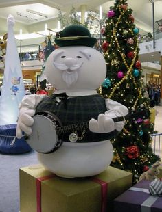 sam the snowman at the mall | He looks great! Photo by Ken M… | Flickr