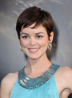 19 Cute Celebrity Haircuts to Consider