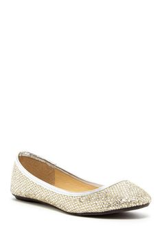 Find women's flats in all sizes, shapes, & styles at Nordstrom Rack. Browse our selection of women's flats today & get top brands at up to off. November Pictures, Womens Flats, Ballet Flats, Metallic, Nordstrom Rack, Shoes, Style, Fashion, Swag