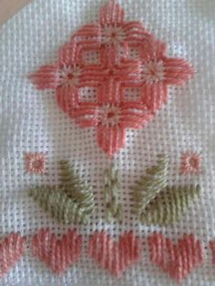 This Pin was discovered by Muh Cross Stitch Borders, Cross Stitch Flowers, Cross Stitch Designs, Cross Stitch Patterns, Types Of Embroidery, Learn Embroidery, Embroidery Patterns, Hand Embroidery, Doily Patterns