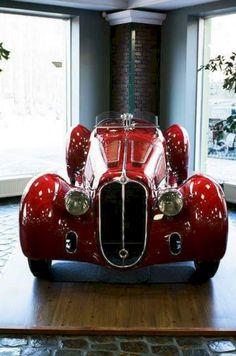 Astonishing Old Car Wheels Porsche 911 Ideas Classic Sports Cars, British Sports Cars, Classic Cars, British Car, Porsche, Audi, Alfa Romeo, Maserati, Bugatti