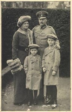 Grand Duke Ernst Ludwig of Hesse-Darmstadt with his 2nd wife and children
