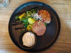 Karbanátky z cizrny jsem ochutnala ve veganské restauraci a musela jsem si je zkusit i doma!