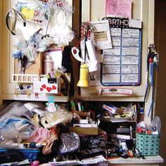 How to declutter and get organized: I read a book a few years back about how home clutter can even lead to weight gain from stress.  Sigh...