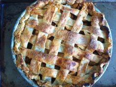 Salted Caramel Apple Pie/ momskitchenhandbook