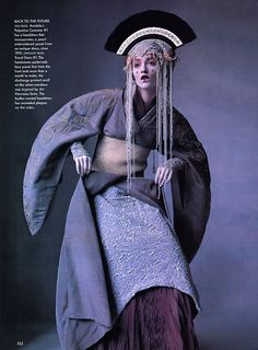 """"""" Editorial: """"Star Wars Couture"""" Magazine: Vogue US Issue: April 1999 Photographer: Irving Penn Fashion Editor: Phyllis Posnick Model: Audrey Marnay Wardrobe: Queen Amidala's Pre-Senate Costume. Cosplay Star Wars, Costume Star Wars, L Cosplay, Cosplay Ideas, Cosplay Costumes, Princesse Amidala, Reina Amidala, Queen Amidala Costume, Padme Costume"""